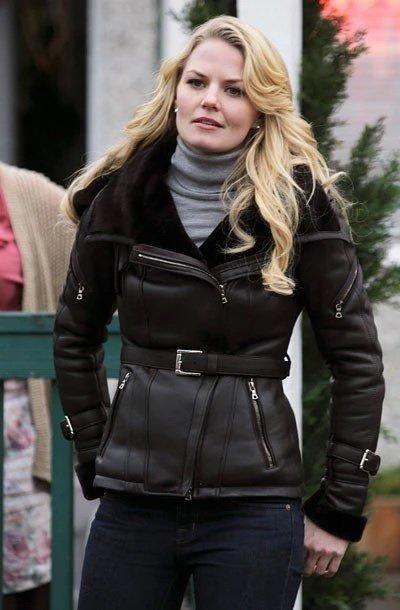 Once-Upon-a-Time-Emma-Swan-Black-Jacket