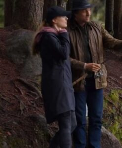 Virgin River S02 Melinda Monroe Hooded Cotton Coat Side